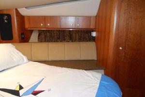 50' Cruisers Yachts 5000 Sedan Sport 2001 2001 Cruisers 50 VIP Stateroom Storage