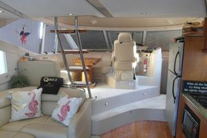 50' Cruisers Yachts 5000 Sedan Sport 2001 2001 Cruisers 50 Salon / Dining Area
