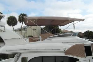 50' Cruisers Yachts 5000 Sedan Sport 2001 2001 Cruisers 50 Newer Bimini