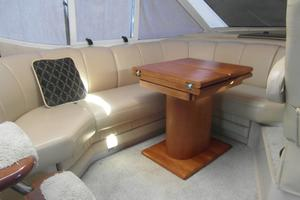 50' Cruisers Yachts 5000 Sedan Sport 2001 2001 Cruisers 50 Dining Area