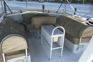 39' Mainship 390 Trawler 2000 Flybridge Covered