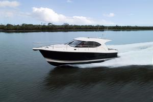 38' Riviera 3600 Sport Yacht 2017 Manufacturer Provided Image: Manufacturer Provided Image