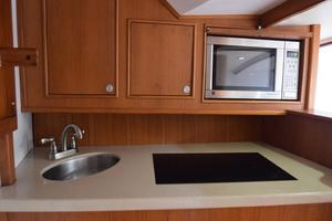 Custom-Middleton-Sports-Fisherman-2008-Chasing-Tail-Dania-Florida-United-States-Galley-with-Counter-and-Cabinets-and-Oven-913263