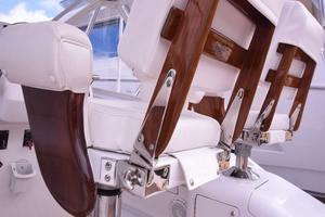 Custom-Middleton-Sports-Fisherman-2008-Chasing-Tail-Dania-Florida-United-States-Seats-Hardware-Detail-913229