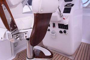 Custom-Middleton-Sports-Fisherman-2008-Chasing-Tail-Dania-Florida-United-States-Helm-Seating-Detail-913268