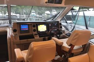 60' Sea Ray 60 Sundancer 2007 Helm Area