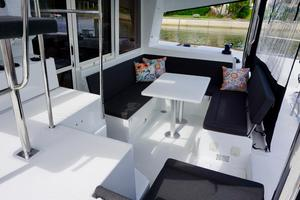 40' Lagoon 400 S2 2018 Beautiful Cockpit Space - Great for Entertaining
