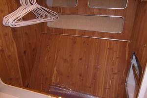 50' Sea Ray 500 Sundancer 1993 1993 Sea Ray 500 Master Closet