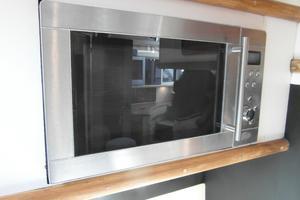 50' Sea Ray 500 Sundancer 1993 1993 Sea Ray 500 Microwave/Convection Oven