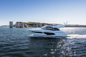 52' Sunseeker Manhattan 52 2018 Manufacturer Provided Image