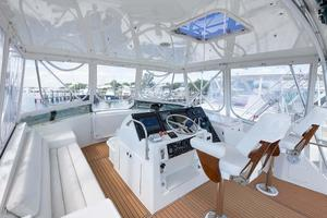 54' Hatteras Convertible 1995 Bridge View