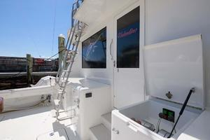 54' Hatteras Convertible 1995 Cockpit Starboard Forward