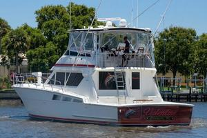 54' Hatteras Convertible 1995 Port Aft Quarter