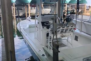 25' Sea Pro 248 2017