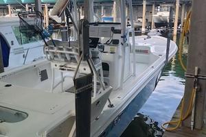 Sea Pro 25' 248 2017