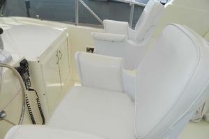 60' Hatteras Motor Yacht 1989 Upper Helmseats