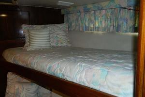 photo of Hatteras-Motor-Yacht-1989-Windfall-Stuart-Florida-United-States-Fwd-Guest-Bunks-910440