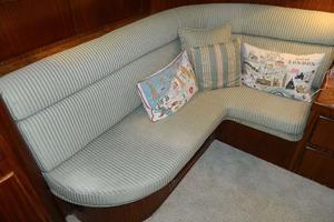 60' Hatteras Motor Yacht 1989 Master Settee