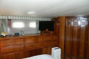 60' Hatteras Motor Yacht 1989 Master Stateroom Port