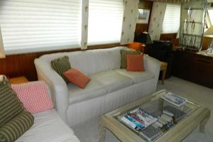 60' Hatteras Motor Yacht 1989 Salon Stbd