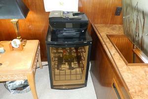 60' Hatteras Motor Yacht 1989 Salon Winebar