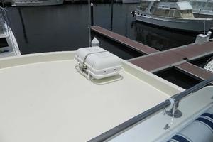 60' Hatteras Motor Yacht 1989 Liferaft