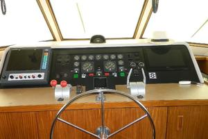 60' Hatteras Motor Yacht 1989 Lower Helm