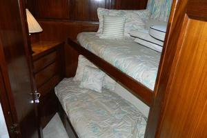 photo of Hatteras-Motor-Yacht-1989-Windfall-Stuart-Florida-United-States-Fwd-Guest-Cabin-910439