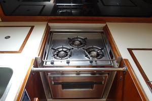 42' Pearson 424 1981 CNG stove with oven