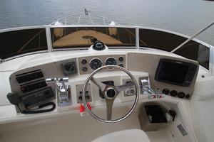 38' Regal 3880 Sedan 2003