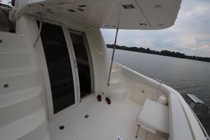 38' Regal 3880 Sedan 2003 Cockpit