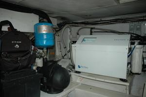 45' Gillikin Custom Carolina 45 Express 2009 Water Pump and Bluewater Watermaker