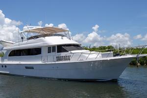 75' Hatteras Cockpit Motor Yacht 2000
