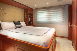 127' Burger 2003/2017 127ft Motor Yacht 2003 Guest Stateroom #2