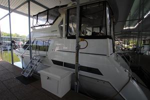 40' Carver 405 Aft Cabin 1998 Covered Slip