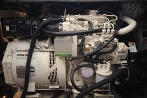40' Carver 405 Aft Cabin 1998 Generator