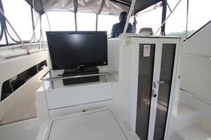 40' Carver 405 Aft Cabin 1998 Aft Deck TV