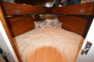 "46' Jarvis Newman 46 Custom Carolina Charter 1988 46' Jarvis Newman ""Cap'n B"", large V-berth"
