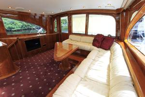 70' Custom Malle Enclosed Bridge Sf 2010