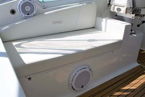 40' Topaz 40 Express 2006 Port Seat