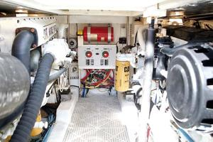 40' Topaz 40 Express 2006 Engine Room
