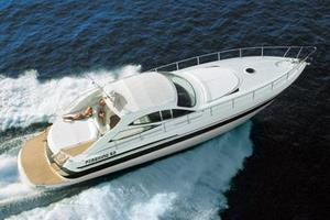 52' Pershing 52' 2004 Manufacturer Provided Image: Cruising