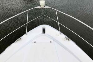 37' Cruisers Yachts 3750 2003
