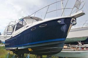 28' Cutwater C-28 2018 Starboard Bow