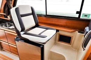 28' Cutwater C-28 2018 Companion Seating