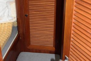 42' Ta Shing Tatoosh 1980 Aft cabin locker