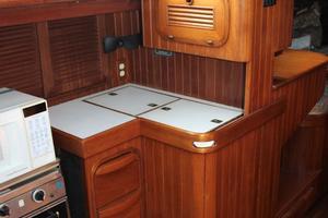 42' Ta Shing Tatoosh 1980 Galley cabinets and drawers