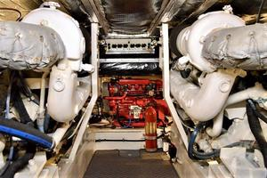 47' Buddy Davis 47 Sportfish 1988 Engine Room