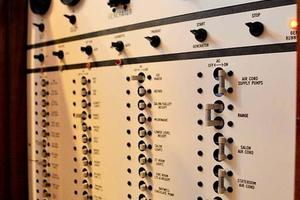 47' Buddy Davis 47 Sportfish 1988 Electrical Panel