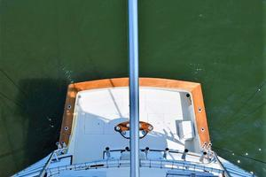 47' Buddy Davis 47 Sportfish 1988 Cockpit from Tower